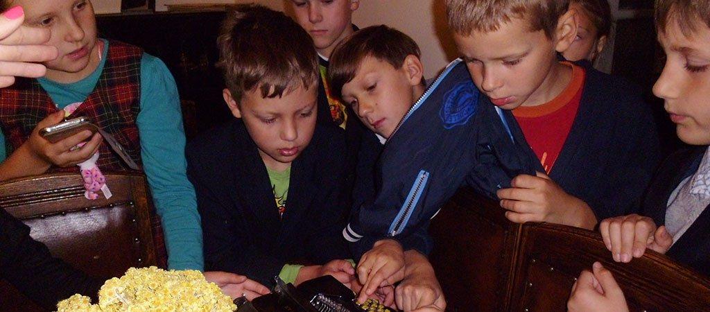 Mažieji eiliuotojai lankėsi V.Mykolaičio-Putino muziejuje