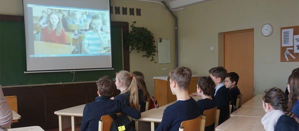 Virtualiai susipažinome su bendraamžiais iš Latvijos