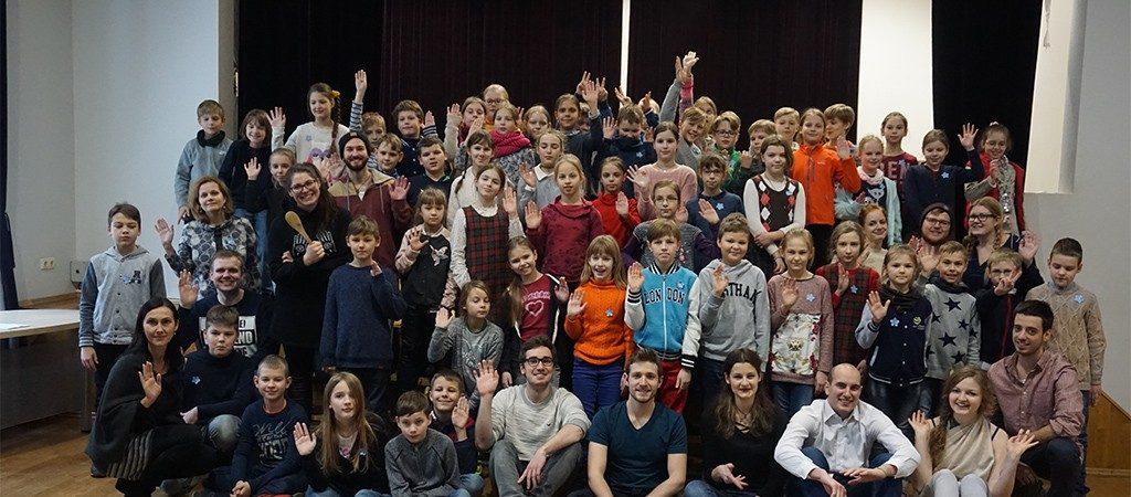 """""""Erasmus"""" studentai iš VGTU pristatė spektaklį"""
