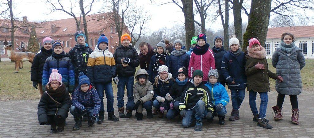 Kalėdų senelio dovana 3c ir 3a klasių mokiniams – išvyka į Raudondvarį