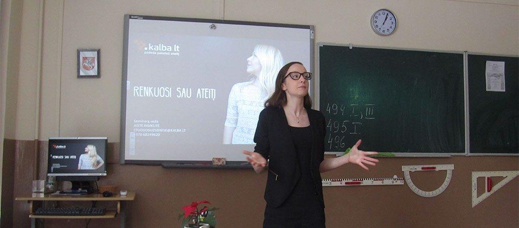 """VGTU kūrybinių industrijų studentė vedė seminarus """"Renkuosi ateitį"""""""