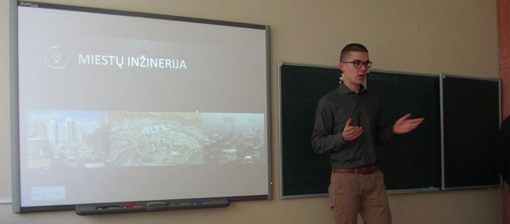 VGTU studentai dešimtokams pristatė dvi inžinerijos studijų programas