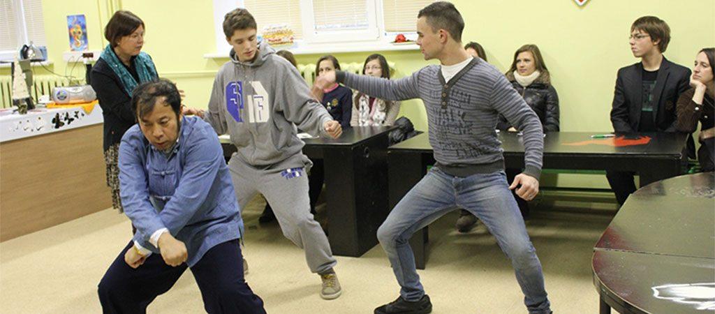 Kinų kultūros savaitės svečiai mūsų mokykloje