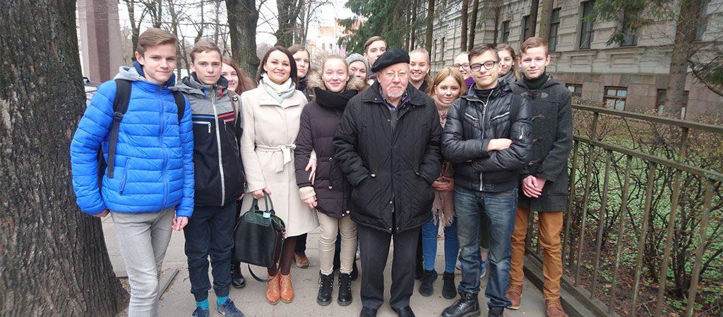 Aštuntokai lankėsi Genocido aukų muziejuje