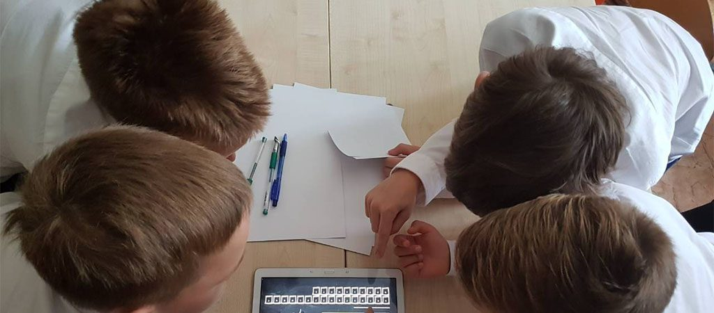 Rugsėjo 1-ąją trečiokai šventė naudodami skaitmenines priemones