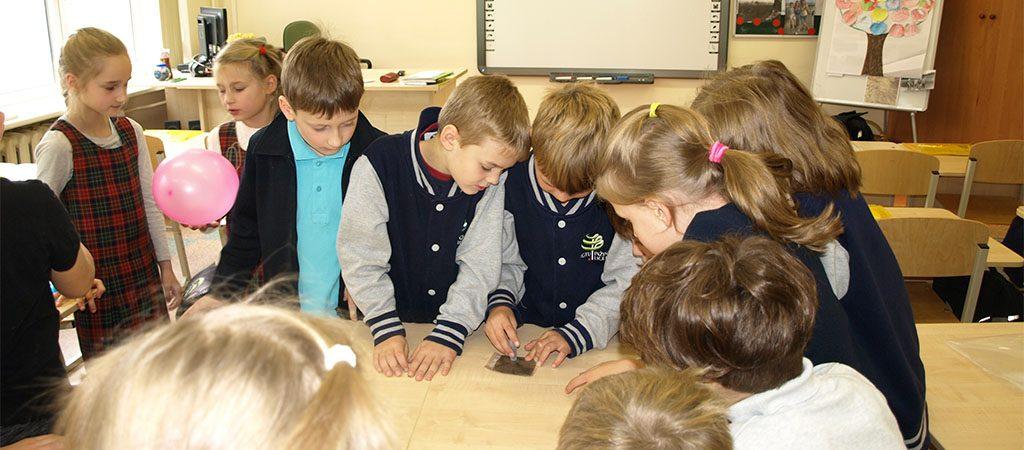 Moksliniai eksperimentai jaunųjų tyrėjų būrelyje
