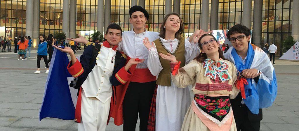 汉语桥 Lietuvos gimnazistai pirmą kartą varžėsi kinų kalbos žinių konkurse Kinijoje