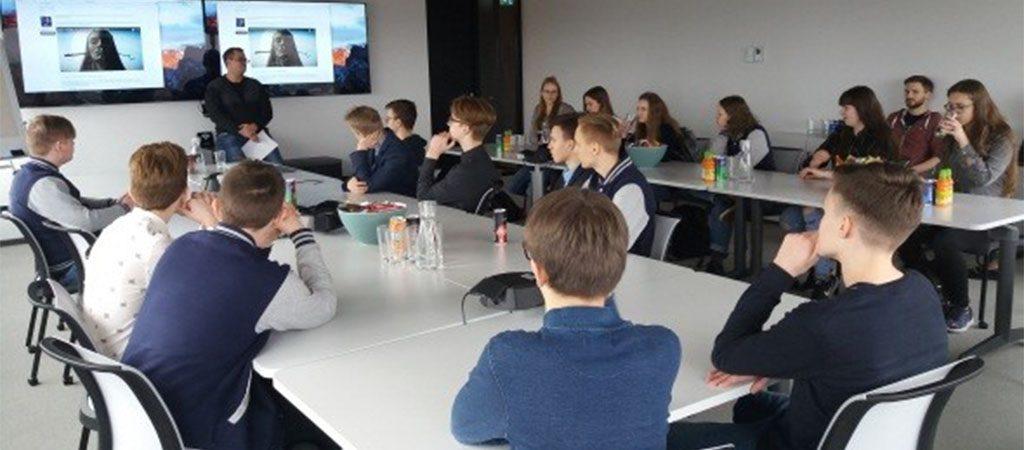 """Patyriminis mokinių vizitas Danijos įmonėje """"Unity"""""""