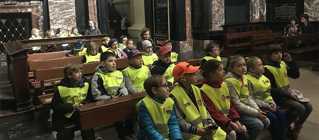 Pirmokų išvyka į Vilniaus Katedros požemius