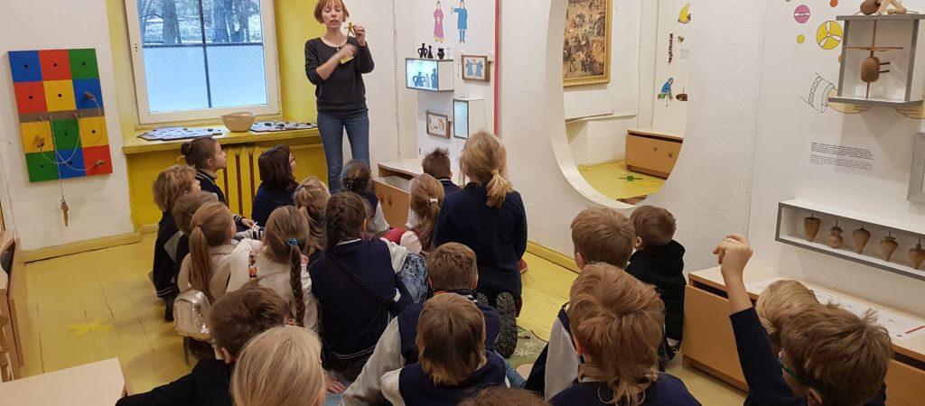 Antrokų pamokosŽaislų muziejuje