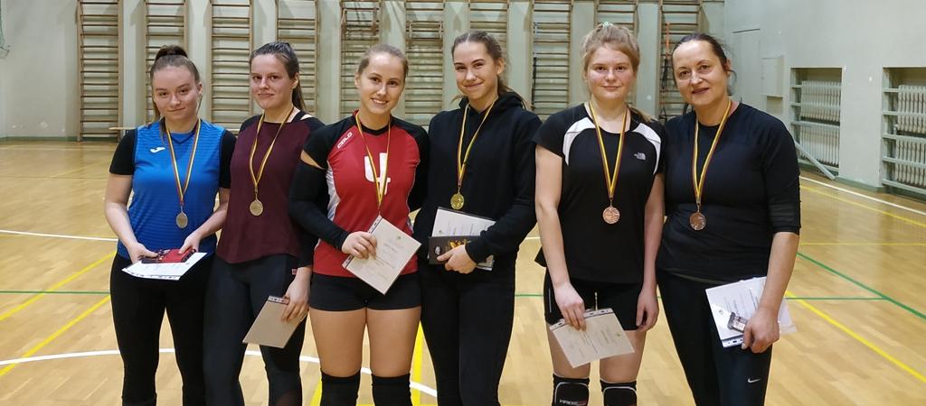 Merginų tinklinio turnyras 2×2