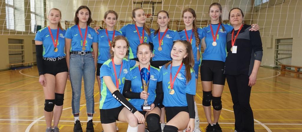 VGTU inžinerijos licėjaus mergaitės – tinklinio čempionės!