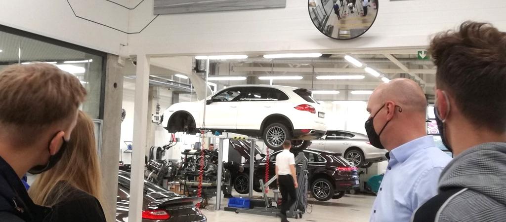 STEAM ekskursija Porsche Lietuva salone