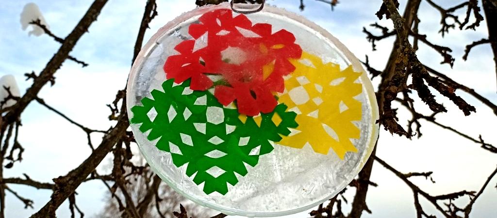 Ledo vitražai skirti vasario 16-tai