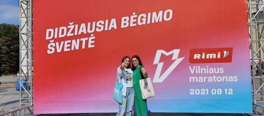 "Gimnazistės dalyvavo ""Rimi"" Vilniaus maratone"